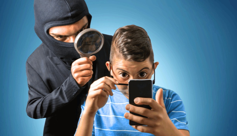 Top 5 Spy Apps to Sneak on Someone's Phone